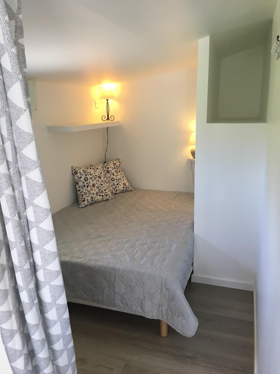 petite chambre avec lit 130x200