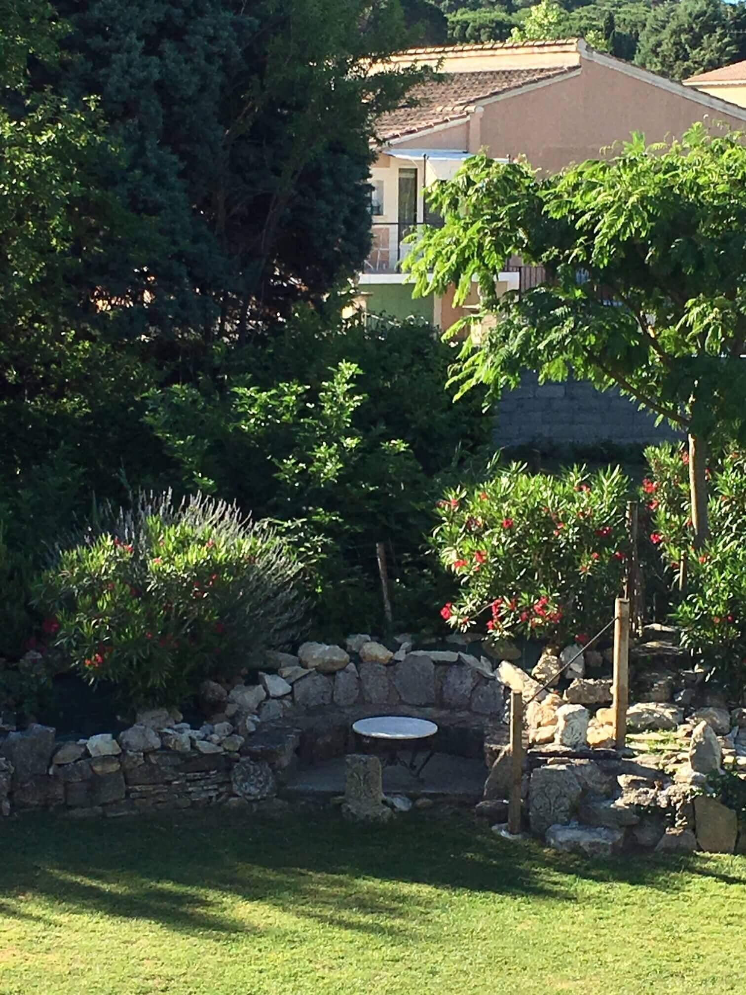 Jolie Gîte avec jardin et piscine